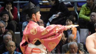 大相撲行司式守与之吉